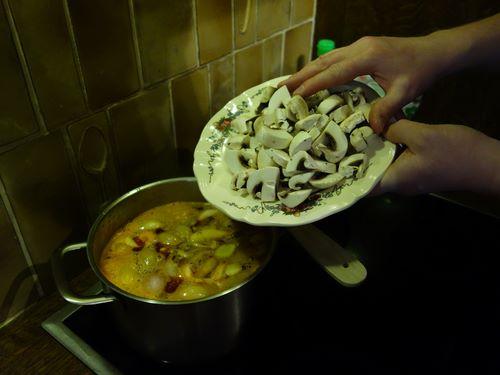 Ajouter les champignons