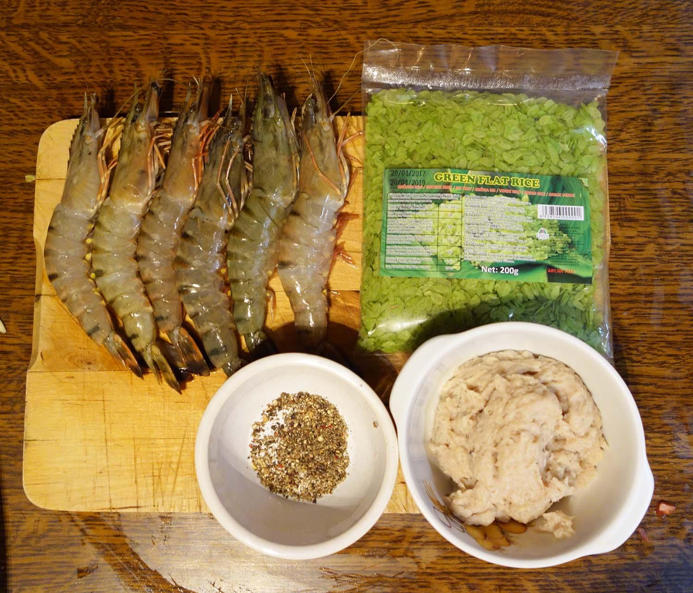 Ingrédients pour beignets de crevettes au riz vert