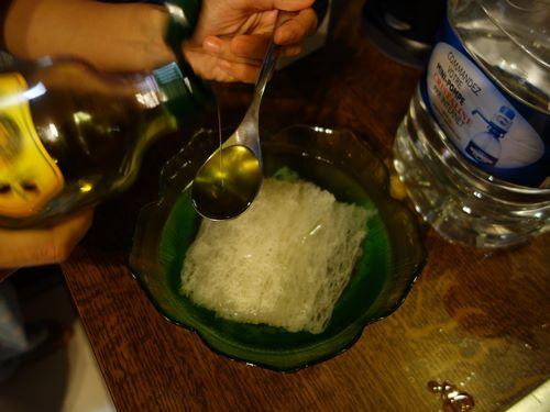 ajouter une cuillère d'huile