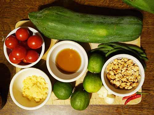 ingrédients pour salade de papaye verte thaïlandaise